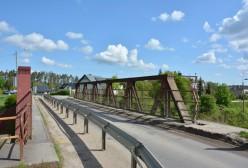 Jedno z ostatnich ujęć wiaduktu w Niestępowie przed przebudową