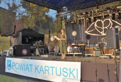 Wieczór Przyjemności Muzycznych w Żukowie, prowadząca Agnieszka Błażewicz